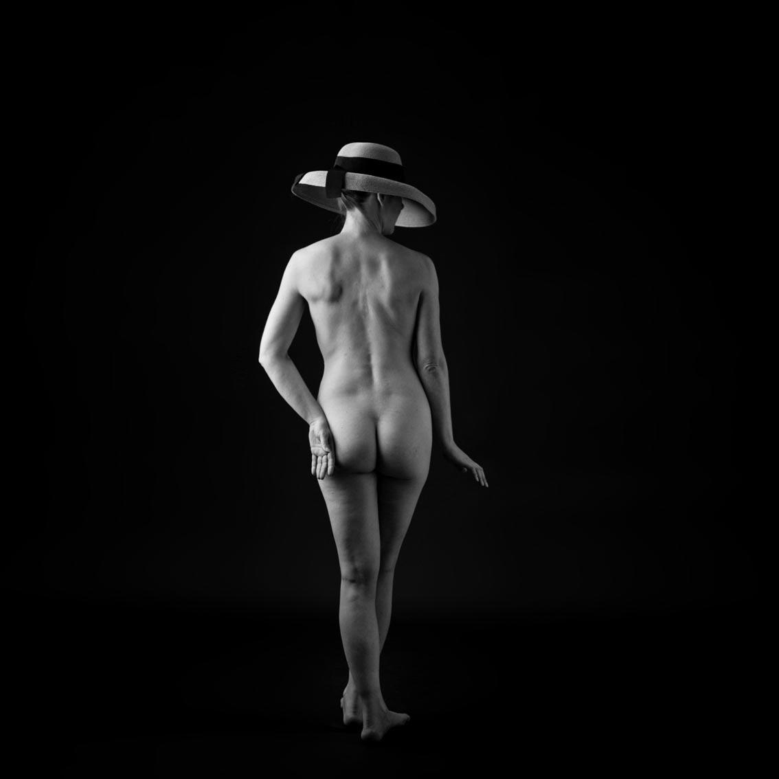 Frau, nackt, Hut