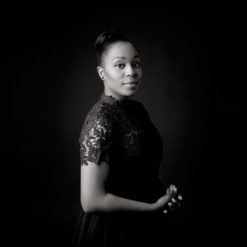 Fraum schwarz, portrait, schwarz-weiß