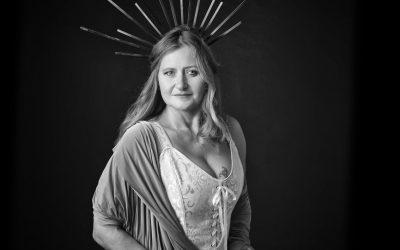 Yvonne – Das Göttlich Weibliche
